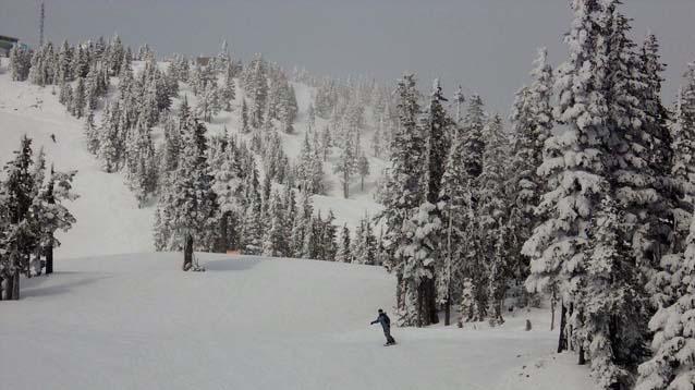 Mount Washington JR snowboarding