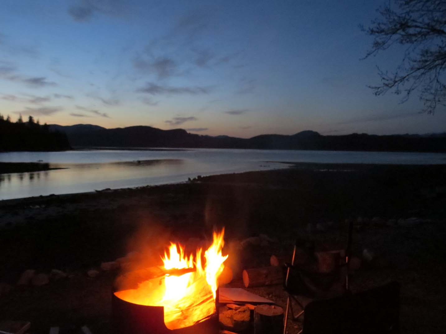 little bear bear fire camping johnstone strait