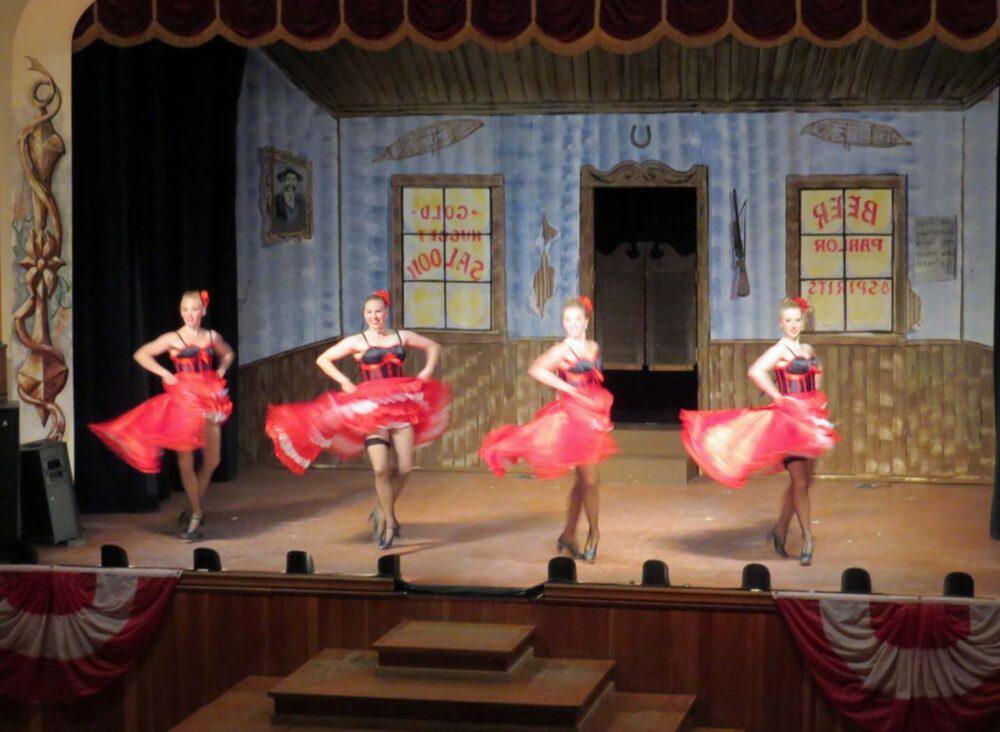 Diamond Tooth Gerties dancers (2)