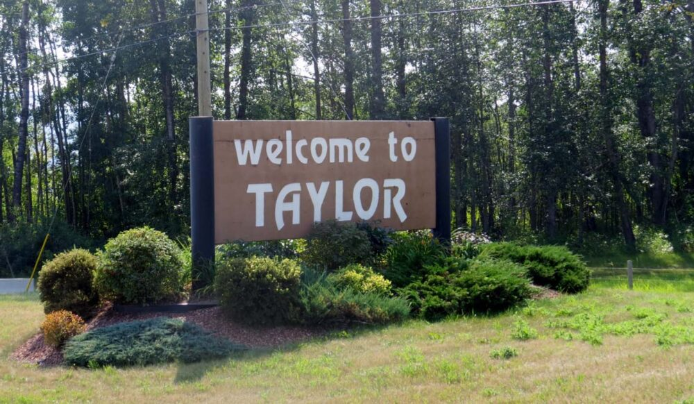 Welcome to Taylor sign