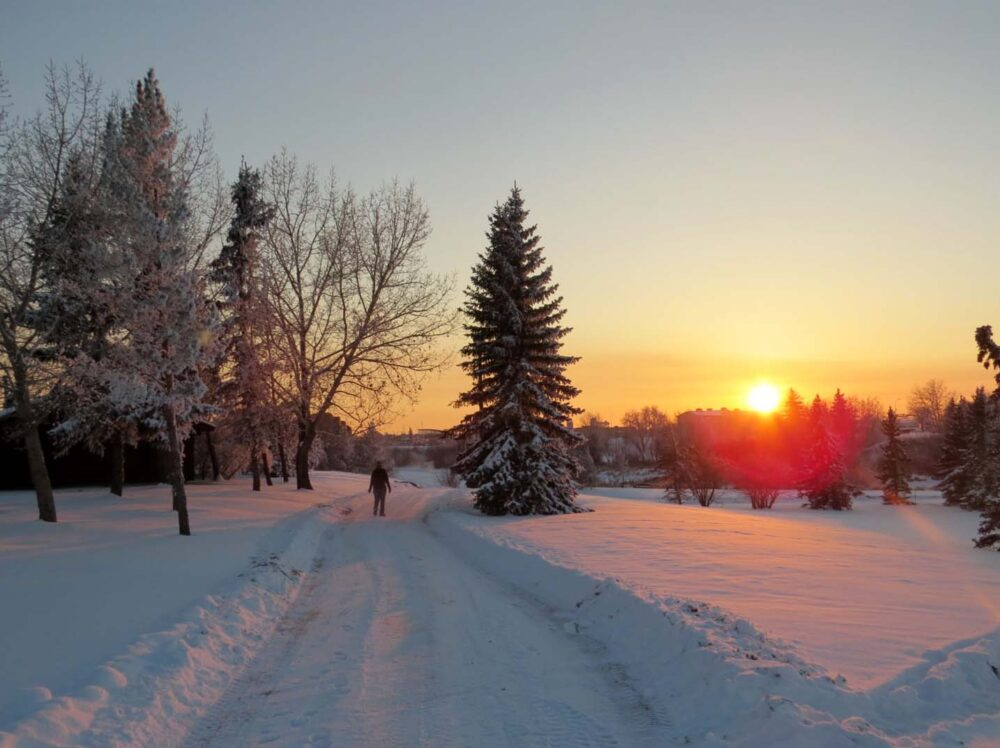 65 Things to do in Canada in winter - sunset in Grand Prairie, Alberta