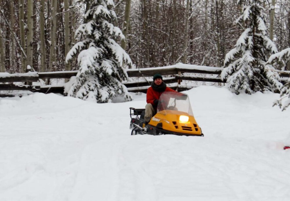 10 Winter Activities You Must do in Canada - skidoo