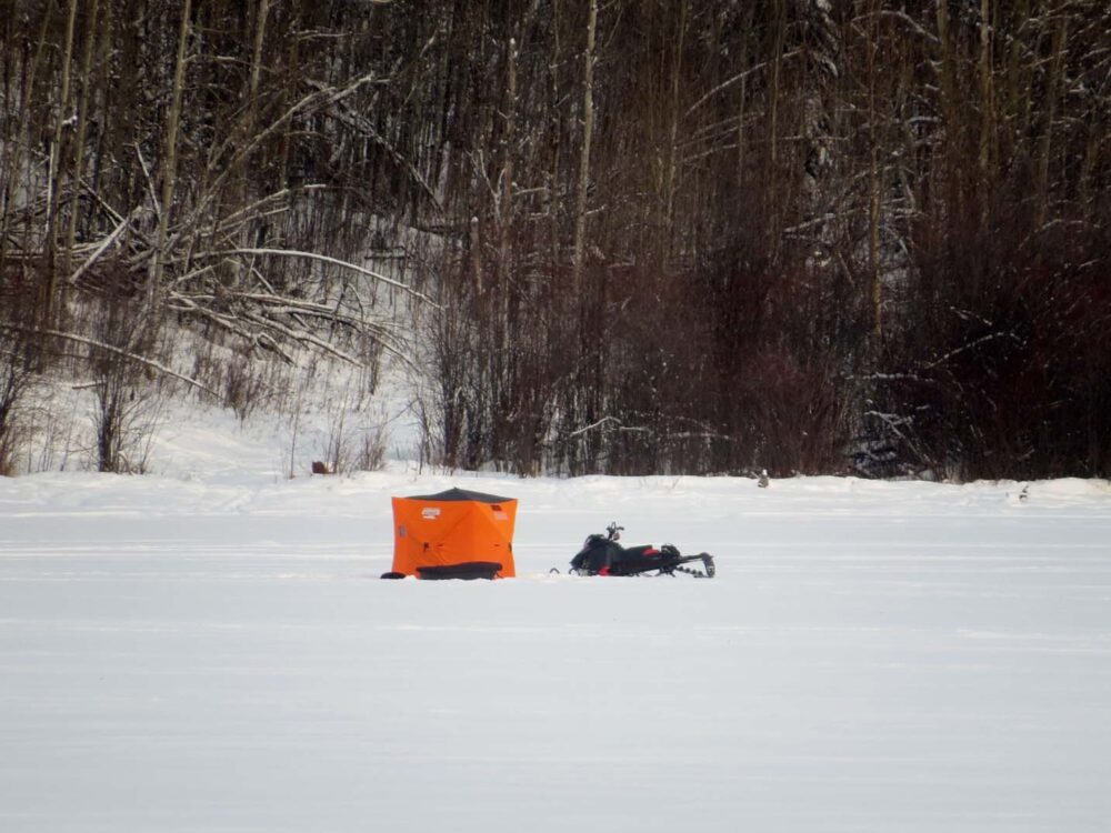 10 Winter Activities You Must do in Canada - icefishing