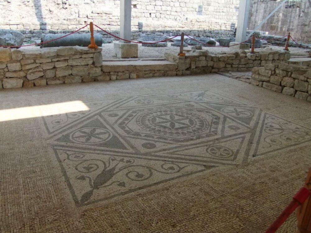 risan roman mosaic montenegro