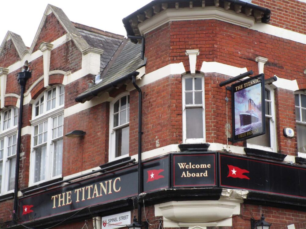 The titanic pub southampton
