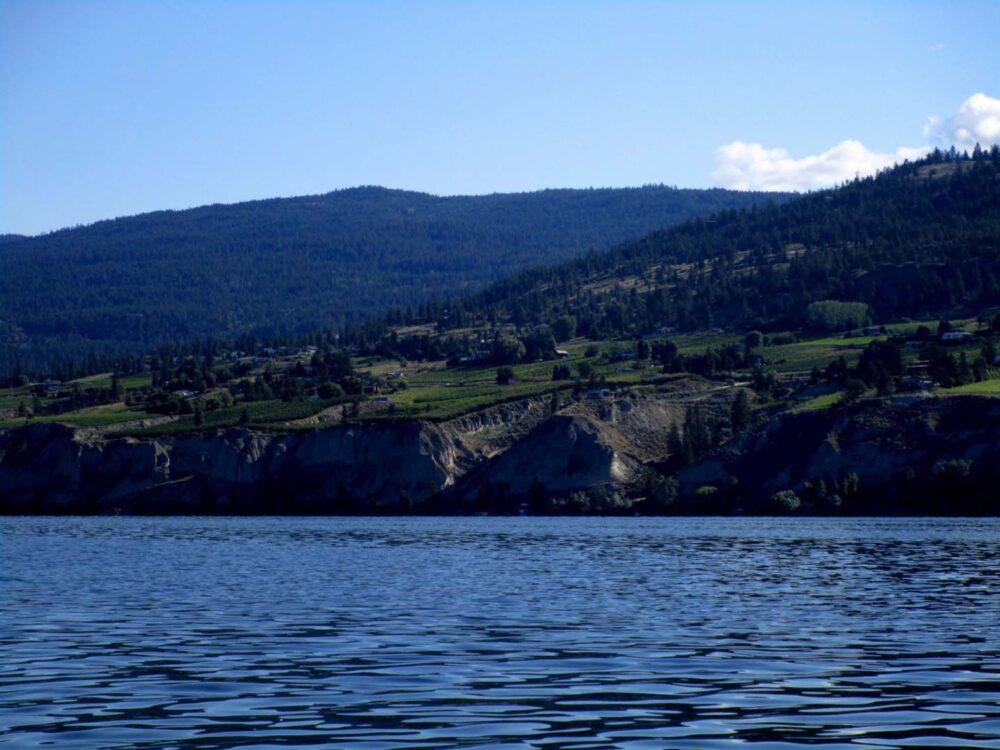 naramata vineyard okanagan lake paddling2