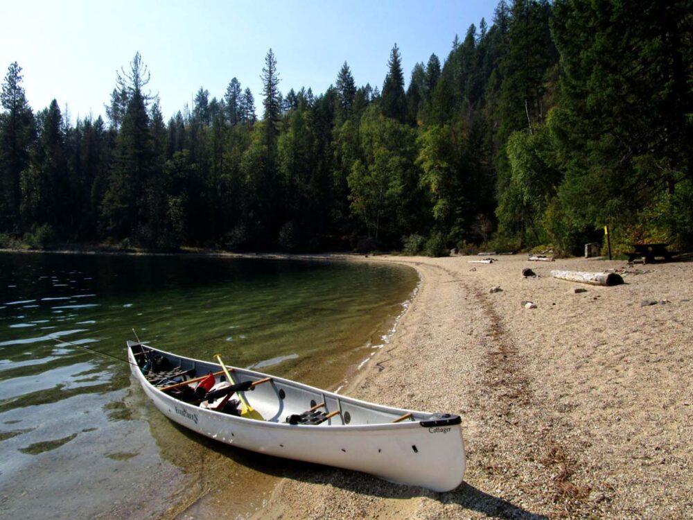 Canoe on axel beach gladstone park christina lake