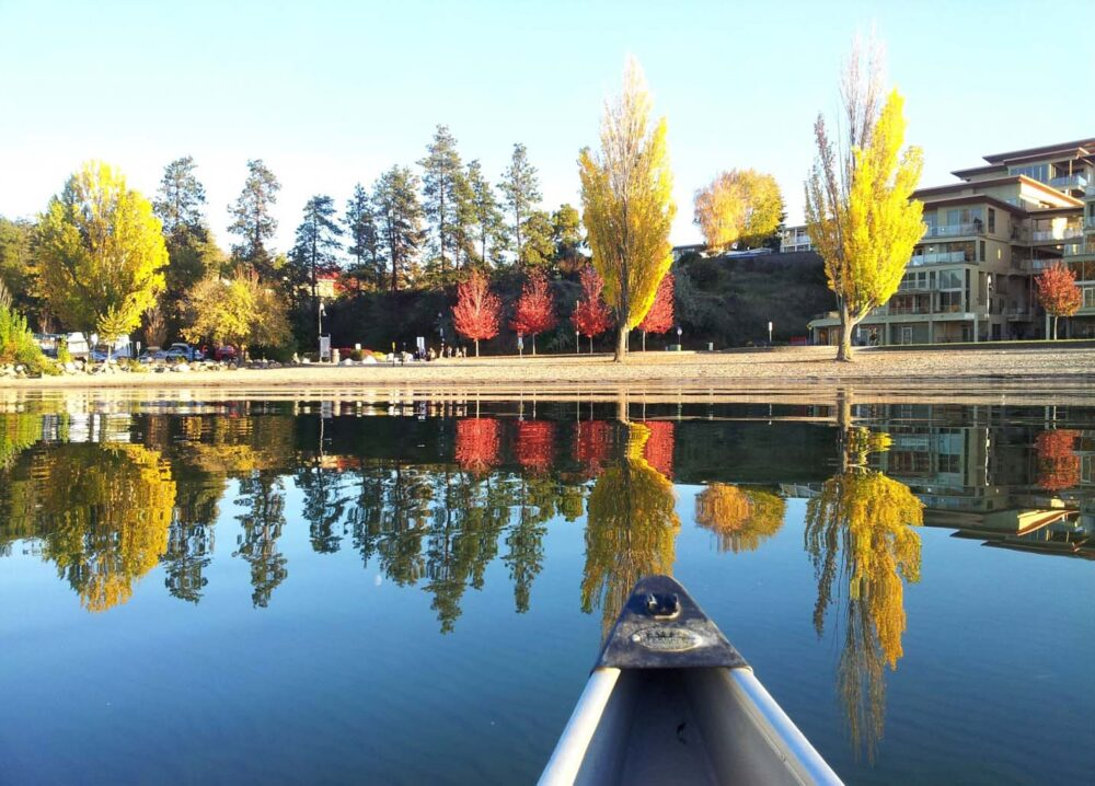 Bucket List ideas for your Working Holiday in Canada - Canoe paddling in Penticton