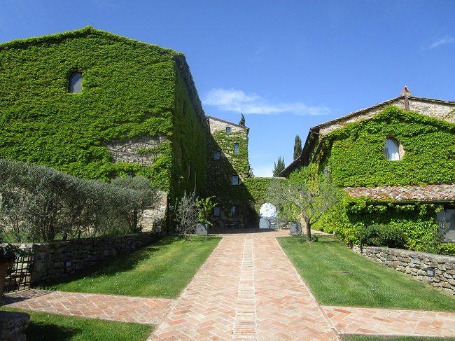 italy villa tuscany umbria sommita