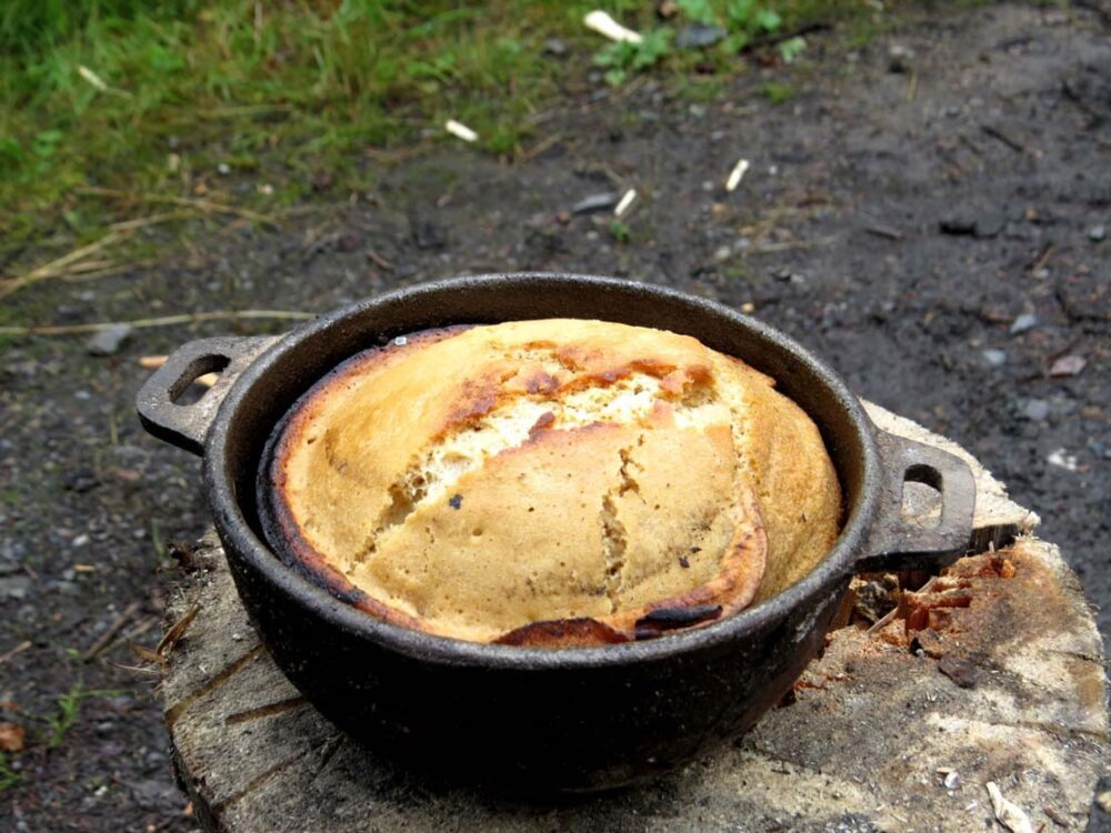 baking cakes dutch oven camping