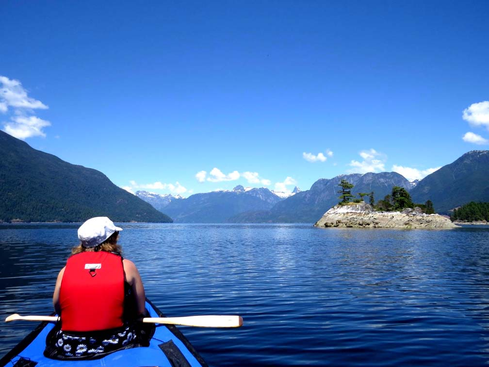 Calm waters near Curme Islands, Desolation Sound. Perfect paddling conditions