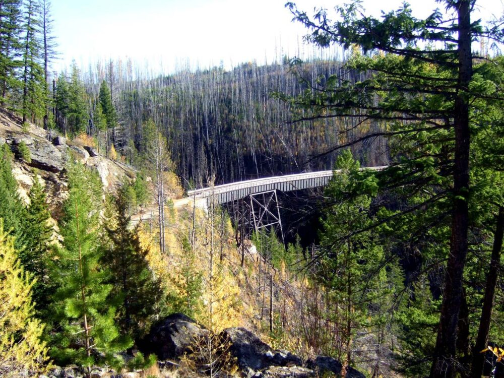 A curved trestle in the distance at Myra Canyon Trestles in Kelowna