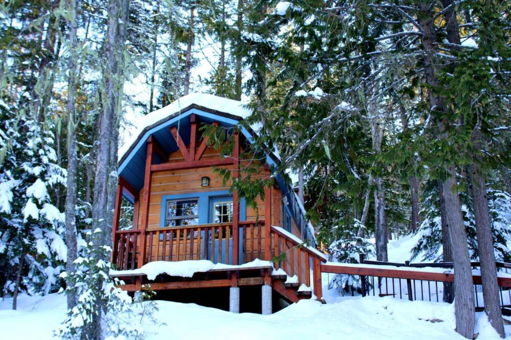Winter cabin in BC - Romantic getaways in BC