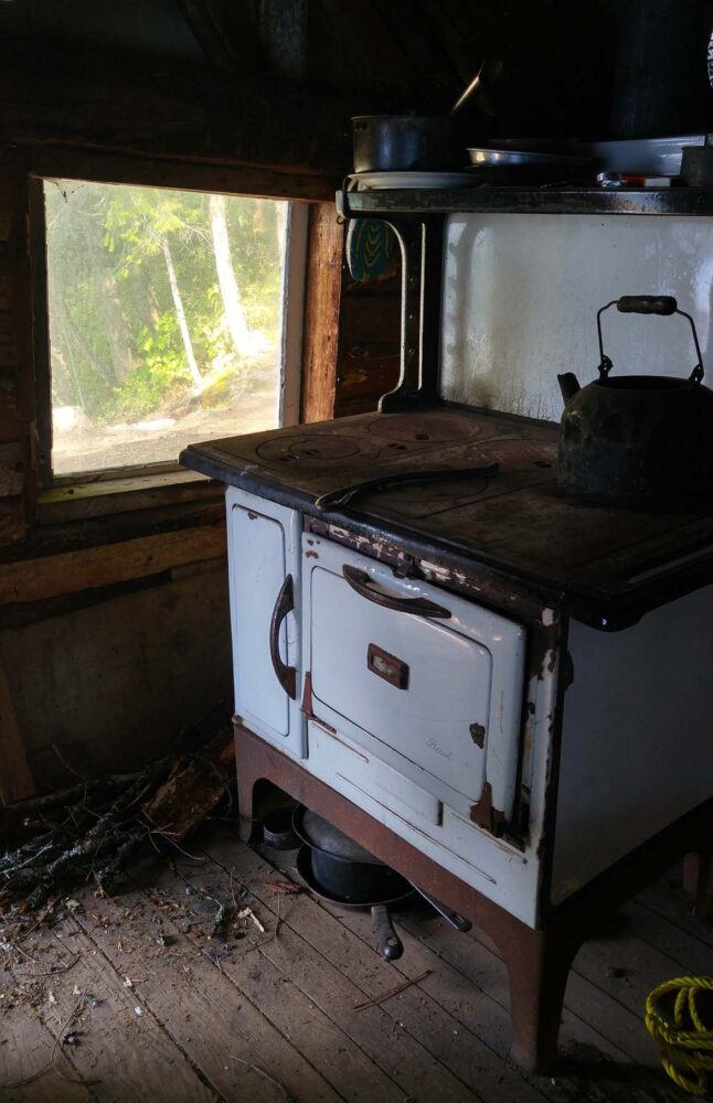 at cabin lodging montana along gallery shoco stonebolt the cabins stove
