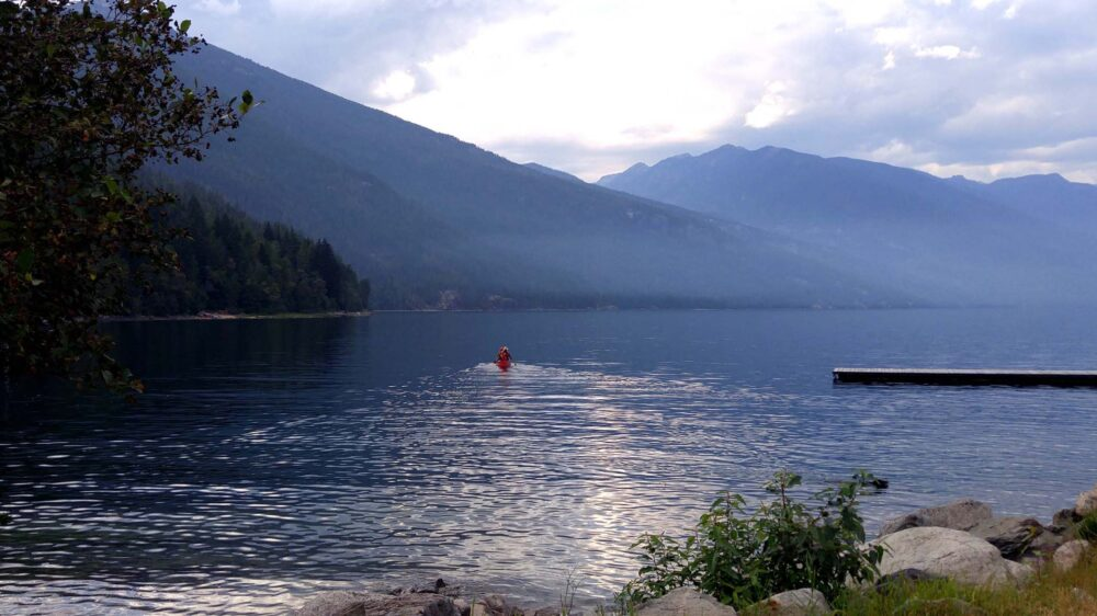 Canoeists on Slocan Lake, Valhalla Provincial Park