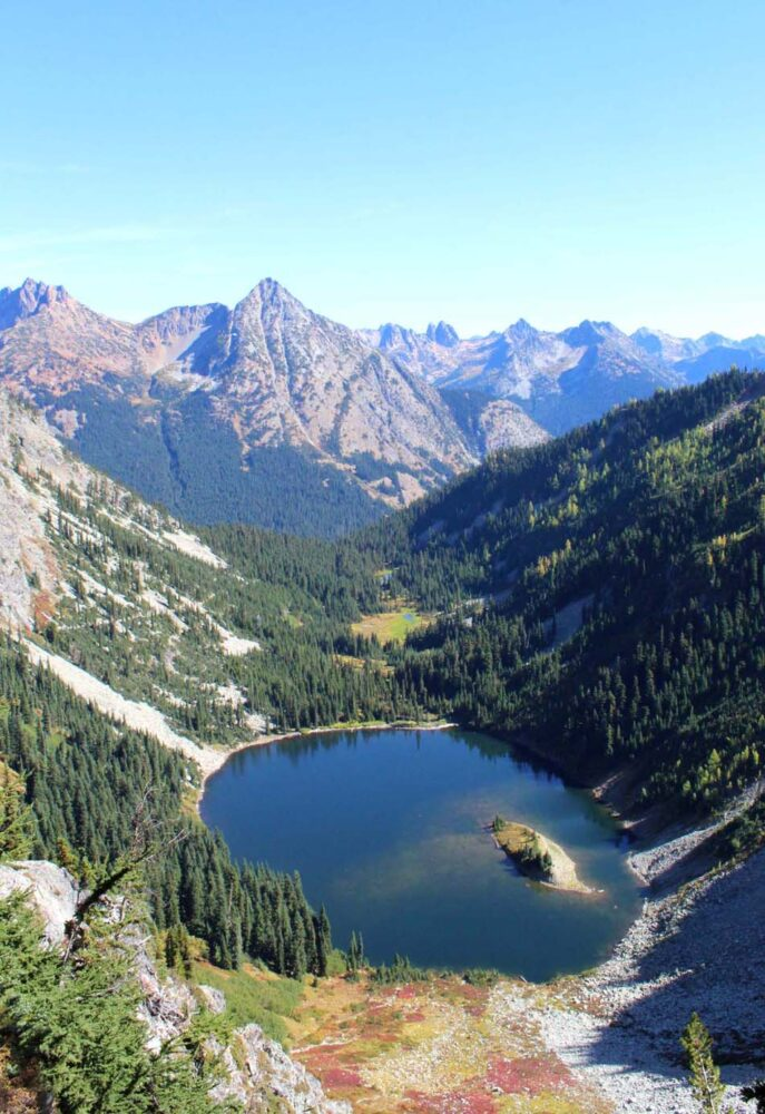 Hiking the Heather-Maple Pass Loop Trail, Washington, USA - Lake Ann