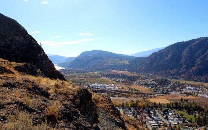 Hiking the Peach Cliff Trail in Okanagan Falls, British Columbia