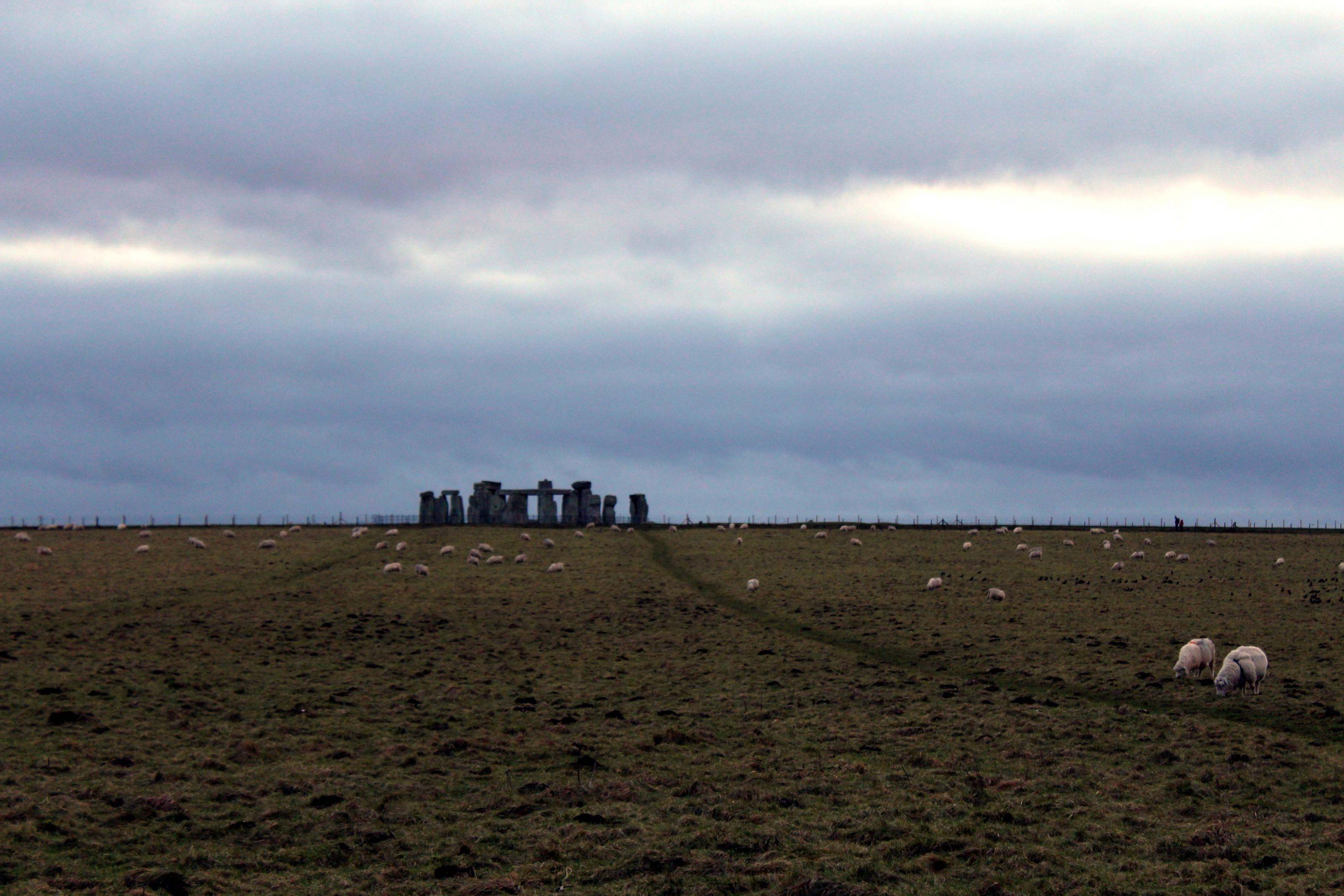 Great Stones Way long distance walking path - Stonehenge