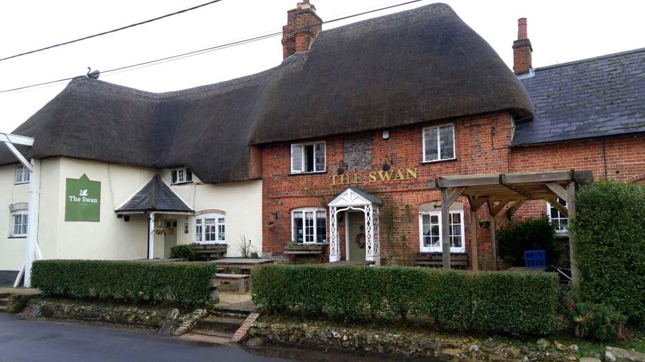 Great Stones Way long distance walking path - Swan pub in Enford