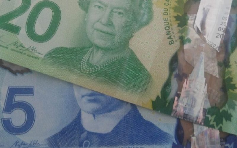 The Cheapest (and Best!) Way to Send Money to Canada
