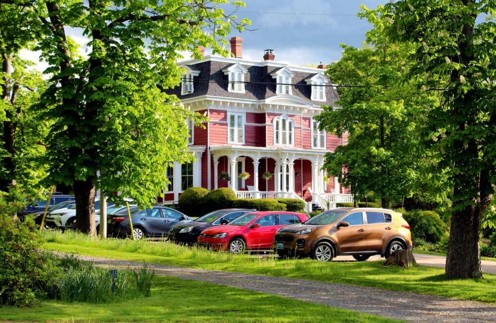 heritage houses in wolfville, nova scotia