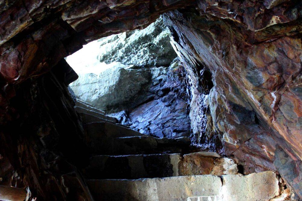 ovens park caves steps nova scotia hikes