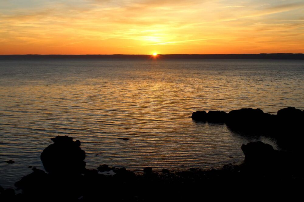 seal cove sunset cape chignecto hiking