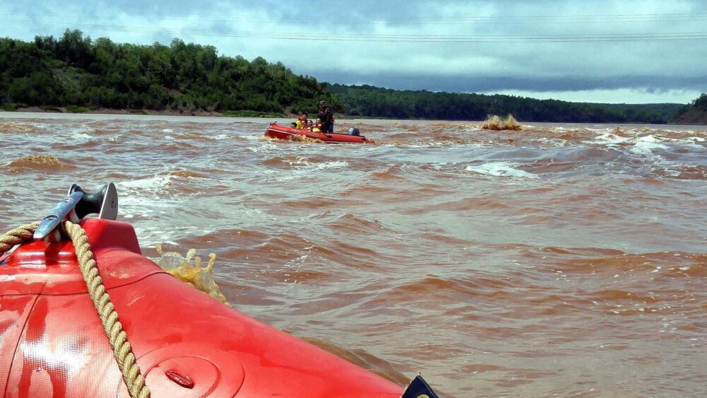 tidal bore rafting nova scotia - one of the best day trips from halifax