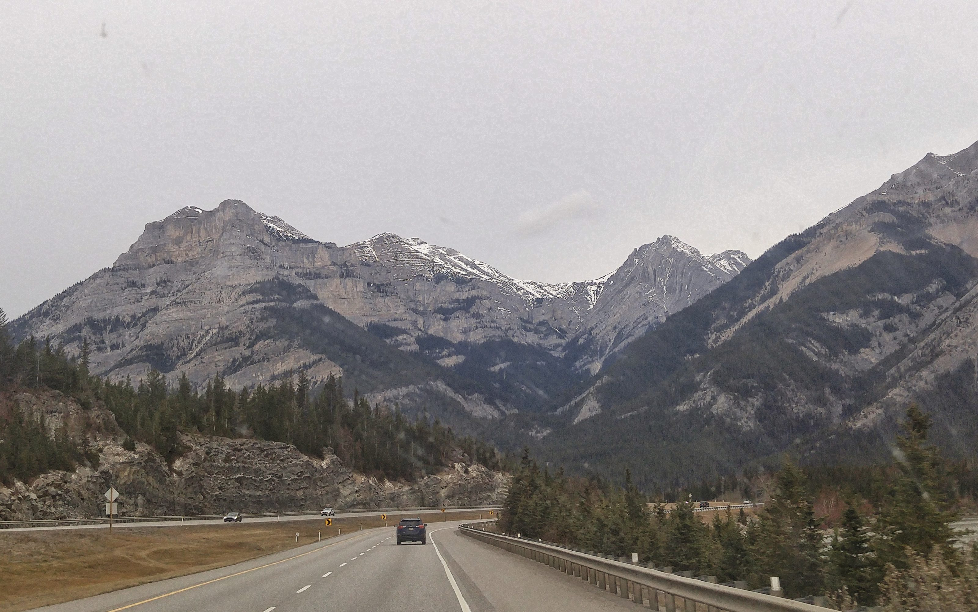 approaching rocky mountains from calgary