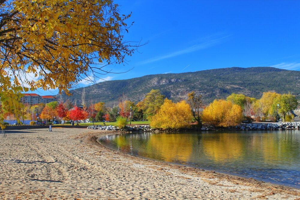 marina beach penticton autumn