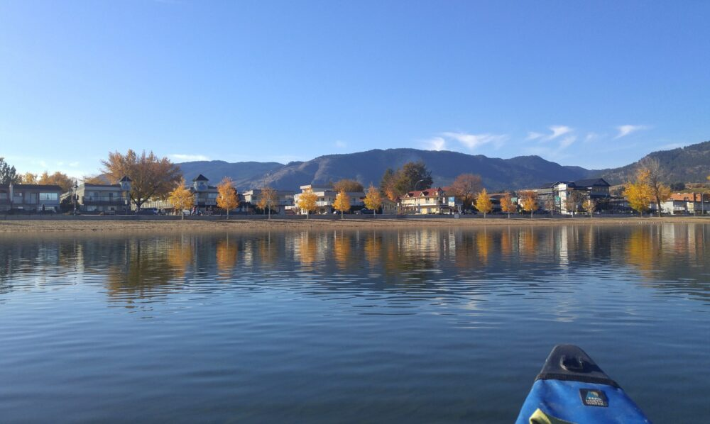 penticton paddling in november canoe autumn