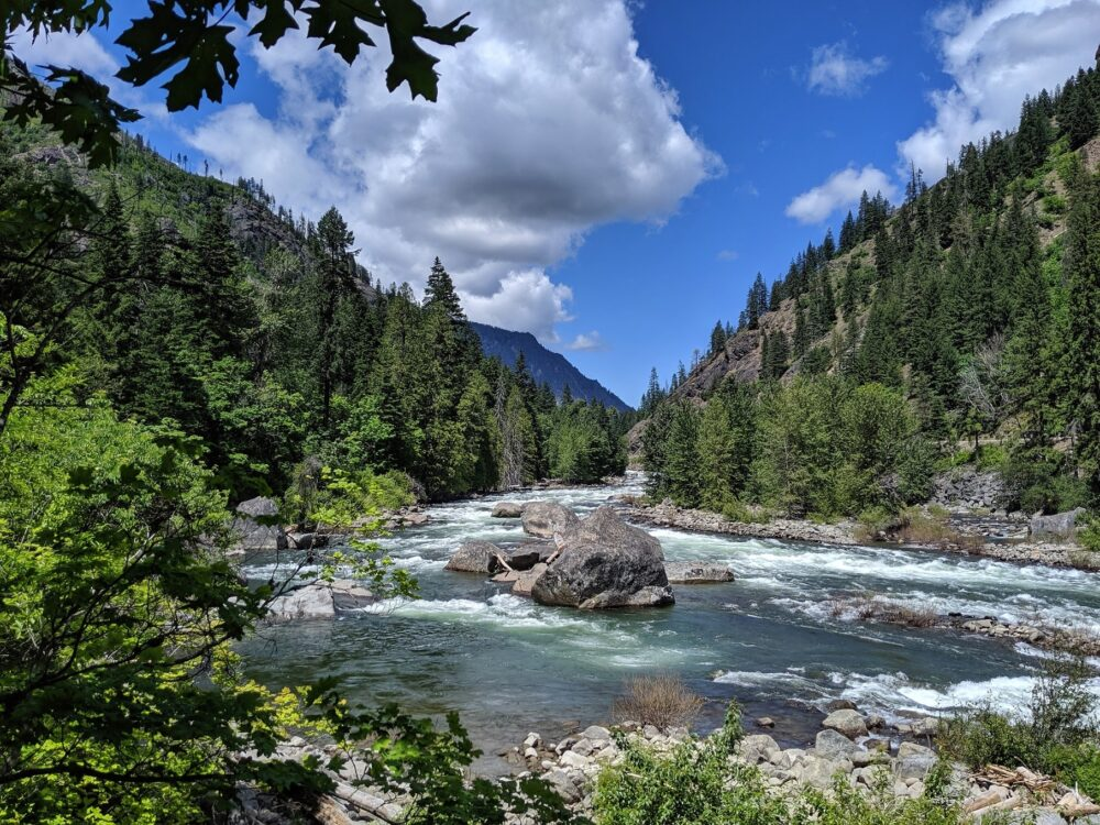 Tumwater canyon and river as seen from the Pipeline hike, one of the best things to do in Leavenworth in summer