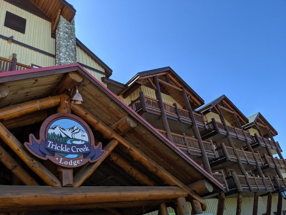 Wooden lodge building at Kimberley Alpine Resort - Trickle Creek