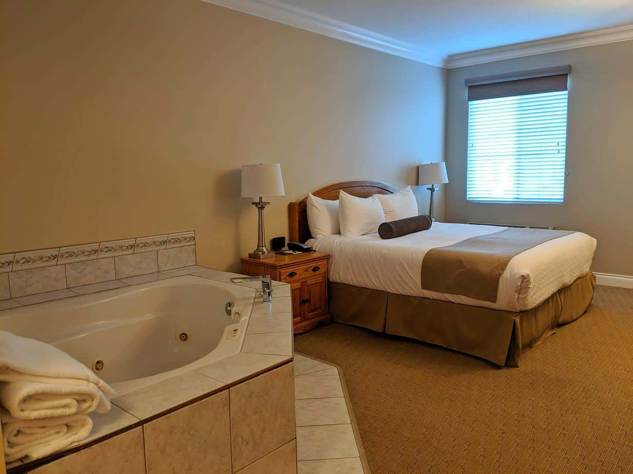 Hotel room with King bed and Jacuzzi at Regent Hotel, Revelstoke
