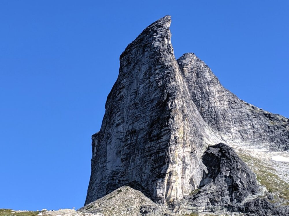 The huge gneiss mountain face of Gimli Peak