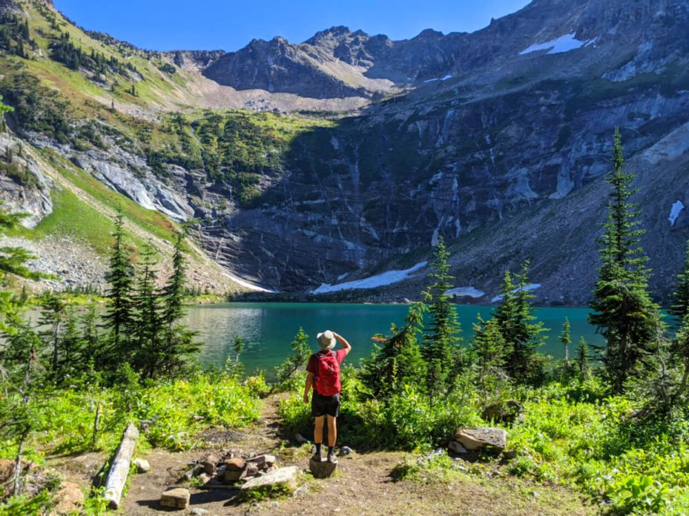 The views of Pinnacle Lake are striking
